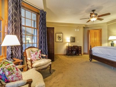Noble Fir Suite 2 Chairs and King Bed