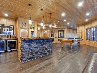 Timber Room Bar with Pool Table